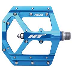 HT Components AE03 pedal in sky blue